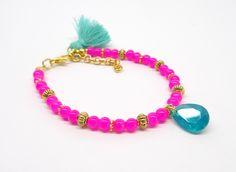 Boho chic bracelet, beaded bracelet, tassel bracelet, bohemian bracelet, hippie bracelet, friendship bracelet, dainty bracelet door HipLikeMe op Etsy https://www.etsy.com/nl/listing/266788544/boho-chic-bracelet-beaded-bracelet