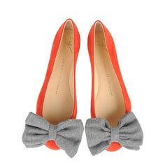 Giuseppe Zanotti Design  Red suede ballerina pumps with a maxi bow in gray cloth