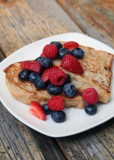 Vegan French Toast That Barely Breaks 100 Calories, made with soy milk and bananas.