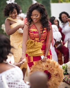 Find the latest and stylish kente styles here on african fashion and lifestyles. Get these 10 stylish kente styles and more in one glance. African Lace Dresses, Latest African Fashion Dresses, African Dresses For Women, African Print Fashion, African Wedding Attire, African Attire, Ghana Wedding Dress, African Traditional Wedding Dress, Traditional Wedding Attire