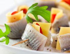 Koreczki śledziowe z serem żółtym Cantaloupe, Catering, Dairy, Menu, Cheese, Fish, Fruit, Recipes, Parties Food