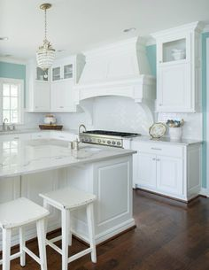 Trendy kitchen island colors paint house of turquoise Aqua Kitchen, Kitchen Redo, Kitchen Colors, Kitchen Design, Turquoise Kitchen, Island Kitchen, Home Design, Layout Design, House Of Turquoise