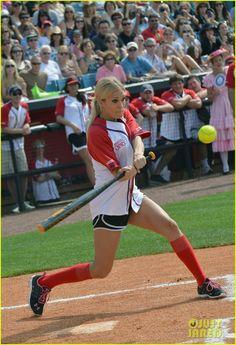 carrie underwood playing softball | Carrie Underwood & Scotty McCreery: CMA Fest Softball! | carrie ...