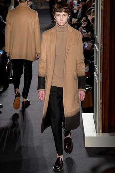 Male Fashion Trends: Valentino Fall/Winter 2016/17 - Paris Fashion Week