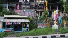 antique art shop in ubud - beautiful place & beautiful art