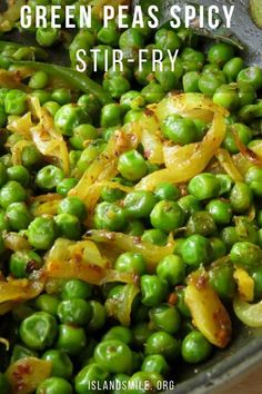 Green peas are also known as English or spring peas. Whether you have fresh peas, canned or a bag of frozen green peas, this ridiculously easy and spicy green peas recipe… Vegetarian Stir Fry, Vegetarian Side Dishes, Vegetable Side Dishes, Vegetarian Recipes, Cooking Recipes, Healthy Recipes, Canned Vegetable Recipes, Thai Side Dishes, Vegan Meals