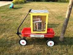 Portable Little Library! Little Free Libraries On A Shoestring Budget - Little Free Library Little Free Library Plans, Little Free Libraries, Little Library, Library Inspiration, Library Ideas, Library Pictures, Dot Org, Mobile Library, Lending Library