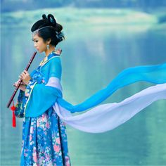 Hanfu - 汉 服 , traditional dress of the Han Chinese people. Ancient to modern Chinese costumes and fashion