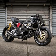 Six cylinders, a Hayabusa front end, and a heavy dose of bad attitude. This Honda CBX is nasty but nice.