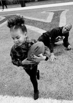 """Jay-Z and Blue Ivy Carter, running around and scoring touchdowns in an empty Mercedes-Benz Superdome in New Orleans, while shooting scenes for Beyoncé's """"All Night"""" video. Beyonce 2013, Beyonce Knowles Carter, Beyonce And Jay Z, Beyonce Memes, Black Love, Black Is Beautiful, Beautiful Women, Beyonce Family, King B"""