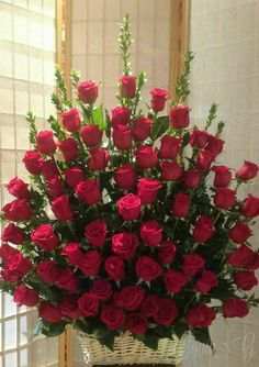 The Different Roses You Can Grow In Your Rose Garden – Ideas For Great Gardens Tropical Flower Arrangements, Flower Arrangement Designs, Funeral Flower Arrangements, Beautiful Flower Arrangements, Altar Flowers, Church Flowers, Funeral Flowers, Happy Birthday Flower, Beautiful Rose Flowers