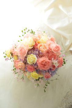 クラッチブーケ ホテルオークラ東京様へ ワルツとアプリコットミホの画像:一会 ウエディングの花