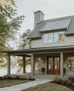 New gray house exterior ideas 60 ideas Modern Farmhouse Exterior, Coastal Farmhouse, Farmhouse Design, Farmhouse Style, Farmhouse Remodel, Exterior House Colors, Exterior Design, Exterior Homes, Grey Houses