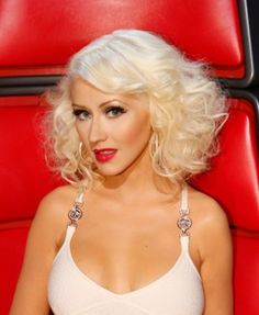 Get the look: Christina Aguilera's glam bob as seen on The Voice!