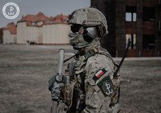 Polish JWK operator bearing his SERE Specialist patch [2048x1434]