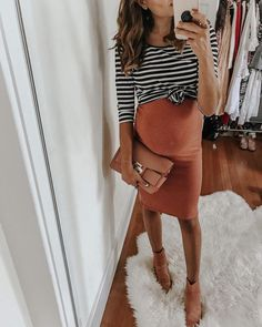 Maternity style / pregnancy fashion / fitted maternity dress / stripped tee over fitted maternity dress / casual maternity outfits / mom style outfits / dress and booties outfit Cute Maternity Outfits, Stylish Maternity, Maternity Wear, Maternity Clothing, Pregnant Outfits, Maternity Clothes Spring, Winter Pregnancy Outfits, Maternity Skirts, Pregnant Clothes
