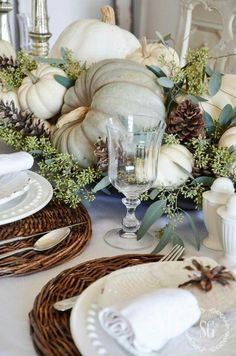 thanksgiving table white and light blue.  great for French decorating