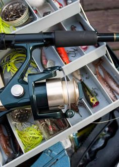 Must Have Fishing Gear for 13 Things Your Tackle Box Needs Fly Fishing Knots, Fishing Pliers, Fly Fishing Gear, Gone Fishing, Best Fishing, Fishing Stuff, Fish Bites, Fish Feed, Fishing Tackle Box