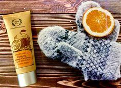 #Fresh #winter #exfoliation Το κλειδί για λάμψη είναι η σωστή απολέπιση της επιδερμίδας…ακόμα και το Χειμώνα! Για αυτό μην ξεχάσετε το #Hesperides #Facial #Exfoliator αυτό το τριήμερο! Λιανική Τιμή 75ml: 14,90 € #FreshLine #exfoliate #deepcleansing #orange #citrus #neroli #essentialoils #invigorating #winter #cold