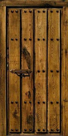 puertas rusticas de madera con herrajes - Buscar con Google
