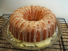 Lemon Bundt Cake from cake mix Recipe from Back Roads Living is another free recipe and easy to bake! Not much mess and no fuss make it a keeper. Delicious Cake Recipes, Cake Mix Recipes, Dessert Recipes, Cake Mixes, Cut Recipe, Recipe Mix, Food Cakes, Baking Soda Teeth, Lemon Brownies