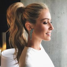 Kristin Cavallari's OMG-Worthy Dramatic Ponytail Is there anything better than a perfectly-popped ponytail? We'll wait…dramatic ponies are seriously on-trend and we are obsessed with actress Kristin Cavallari's voluminous and sculpted style for the 2018 G Cute Ponytail Hairstyles, Ponytail Updo, Cute Ponytails, High Ponytails, Straight Hairstyles, Wedding Hairstyles, Long Hair Ponytail Styles, High Curly Ponytail, Long Hairstyles