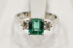 Anello smeraldo e diamanti #luzuryzone #anello #smeraldo #diamanti #luxury