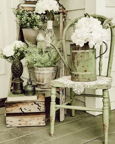 French Country Porch, French Country Farmhouse, French Country Decorating, Farmhouse Style, Rustic Cottage Decorating, French Country Crafts, Cottage Farmhouse, Farmhouse Chairs, Farmhouse Front Porches