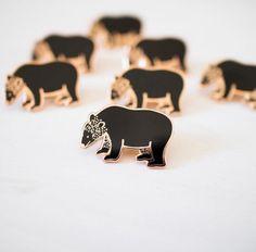 'Black Bear' Pin – Gimme Flair