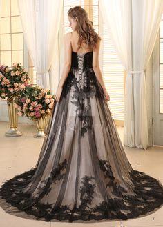 [233.54] Romantic Tulle Strapless Neckline A-line Wedding Dresses With Lace Appliques - dressilyme.com