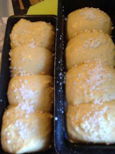Une faim de loup: Brioche comme chez le boulanger Muffin Bread, Cooking Chef, Beignets, Flan, Bruschetta, Hot Dog Buns, Nutella, Bread Recipes, Biscuits