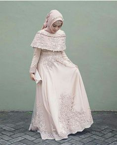Incoming Style with the Hijab Dress Here Ready to Make You Look Elegant and Hijab Prom Dress, Dress Brukat, Hijab Gown, Muslimah Wedding Dress, Kebaya Dress, Dress Pesta, Hijab Wedding Dresses, Maxi Dress Wedding, Bride Dresses