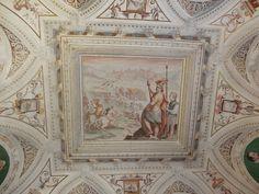 Palacio. Escena militar en el centro del fresco de sala del primer piso.