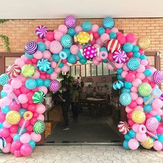 56 Ideas Party Decorations Balloons Candy Land For 2019 56 Ideen Partydekorationen Luftballons Candy Candy Theme Birthday Party, Candy Land Theme, Birthday Balloon Decorations, Candy Party, Birthday Balloons, Candy Land Decorations, Baby Girl Birthday Theme, Balloon Centerpieces, Rainbow Birthday