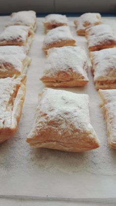 Pastelillos Recipe, Sweet Recipes, Cake Recipes, Good Food, Yummy Food, Cooking Time, Cupcake Cakes, Bakery, Brunch
