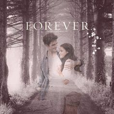 bella and Edward together and they are not married yet Twilight Saga Quotes, Twilight Saga Series, Twilight Edward, Twilight Cast, Edward Bella, Twilight New Moon, Twilight Movie, Edward Cullen, Nikki Reed