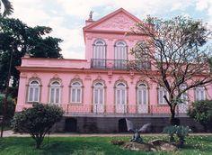 """A Casa Rui Barbosa realiza uma conferência sobre os estudos de direito e política em 2015 - """"Caminhos da reforma política no Brasil"""", no dia 10 de março, a partir das 17h, com entrada franca."""