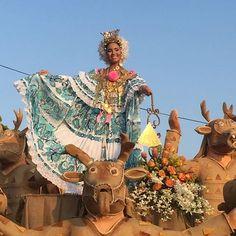 Listos para salir a demostrar que el Festival Nacional de La Caña de Azúcar - Pesé 2016 es tradición, cultura y mucho lujo con S. R. M. Lía Maybeth Madrid Rodríguez. #liamaybeth2016 #VIPQueen #pese2016 #mireinaprometeycumple #festivalnacionaldelacañadeazúcar @rubenmeto @anner_abdull @alexalberto89 @victoruben01 @hectormencomo @alopanameno @peseenses @santiagomagazine @veraguas09 @chitre_progresa @bellezanacional.pa @rubenmeto