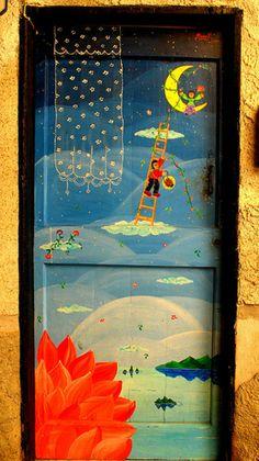 Valloria el pueblo de las puertas pintadas - Valloria Marittima, Italia