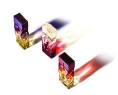 """Louboutin: drie parfums van de beroemde schoenontwerper. Wie heeft er nou niet van gedroomd om die spannende, prachtige, rood bezoolde Louboutin schoenen, bekend van de """"catwalk"""" en de rode loper, te bezitten? Het merk dat onze interesse in luxe-schoenen deed opleven begaf zich vervolgens in de cosmeticawereld met de lancering van nagellak en lipstick/gloss (Loubilaque genaamd) in 2014 en breidt nu hun a"""