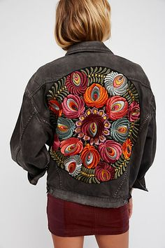 Slide View Oversized Embroidered Denim Jacket 2019 clothing clothing labels clothing patches clothing wholesale flower clothing fly shirts shirts for ladies shirts sunshine coast style clothing tee shirts clothing Sommer Garten Hochzeits Kleider Embroidered Denim Jacket, Embroidered Clothes, Denim Jacket Embroidery, Denim Jacket Patches, Denim Jackets, Floral Denim, Oversized Denim Jacket, Clothing Labels, Free People