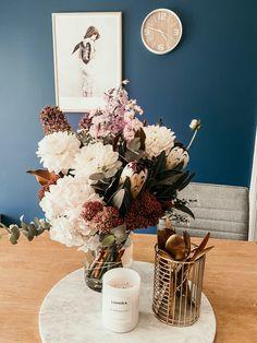 Bloom, Table Decorations, Photo And Video, Birthday, Instagram, Birthdays, Dirt Bike Birthday, Dinner Table Decorations, Birth Day