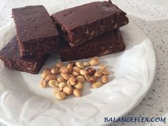 WEDNESDAY RECIPE: Peanut Butter and Chocolate Protein mini-Cake // RECETTE DU MERCREDI: Mini-gâteaux au chocolat et au beurre d'arachide