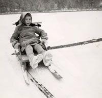 SKS vuotuisjuhlat. Pääsiäinen. Päivi Pulkkinen napakelkan kyydissä. Hanhijärven jää, Mikkelin mlk. Kuva on noin vuodelta 1960. KRAK 2002:181 Nostalgia, Winter Jackets, Winter Coats, Winter Vest Outfits