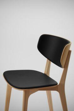 Naoto Fukasawa. 'Roundish' Chair for Maruni. (http://www.naotofukasawa.com) (http://www.maruni.com)