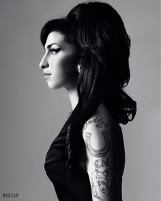 classic black and white shot - Amy Winehouse
