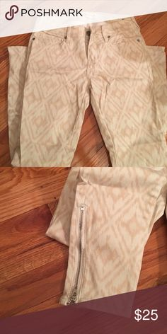 pattern jeans pacsun skinny jeans. worn once. size 1, zipper on the ends PacSun Jeans Skinny