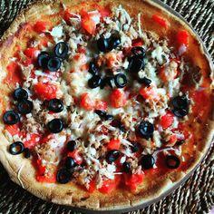 """10 curtidas, 1 comentários - Sara®Paleo.is.healthy® (@sara.paleo.is.healthy) no Instagram: """"Hoje vai de pizza! 😋 (de atum, cebola, tomate, azeitonas e queijo da ilha) Receita da Base: - 2…"""""""