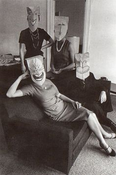 The brown paper bag party. Mask Series with Saul Steinberg Photographed by Inge Morath, Saul Steinberg, Luba Lukova, Old Photos, Vintage Photos, Vintage Art, Vintage Photography, Art Photography, Inge Morath, Feather Painting