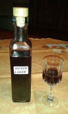 Hexenlikör Witch liqueur, a popular recipe with image from the category Liqueur. 3 ratings: Ø Tags: drink, liqueur Malibu Drinks, Cocktail Drinks, Cocktails, Easy Alcoholic Drinks, Party Drinks Alcohol, Pineapple Cocktail, Party Punch Recipes, Whisky, Spiced Cider
